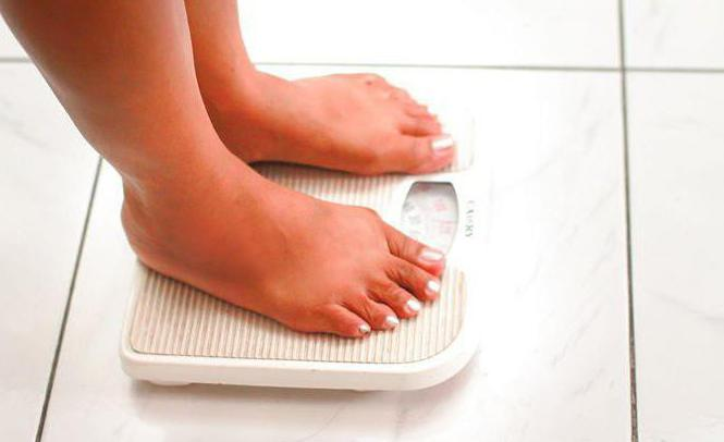 Pregnancy: weight gain per week. The rate of weight gain during pregnancy is weekly
